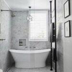 Apollo White freestanding bath